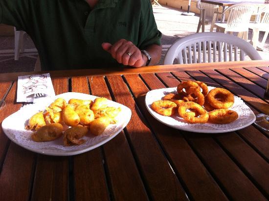 Voramar Restaurante: Rebozado de gambas y cebolla