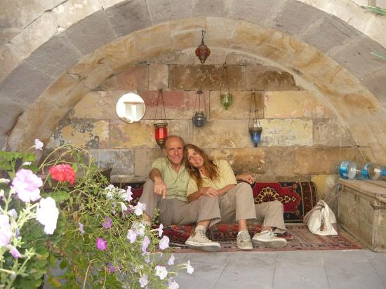 Road Runner Travel - Day Tours: Cappadoçia, at Cave Hotel