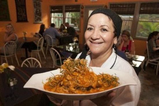 El Tule Authentic Mexican & Peruvian Restaurant: Peruvian Chef Carmen
