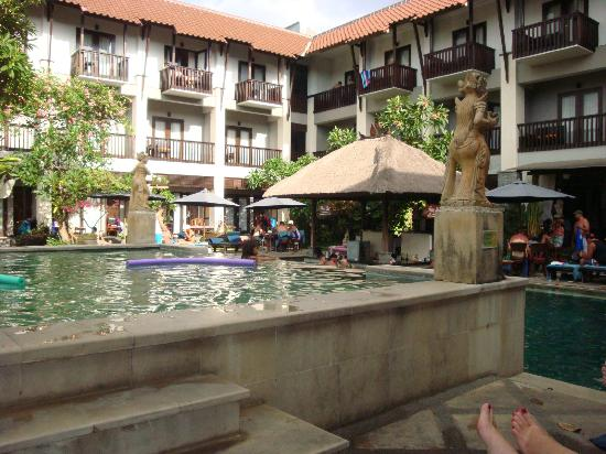 The Lokha Legian: View looking over kids pool, to swim up bar