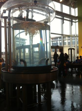 Connecticut Science Center: water area for little kids.