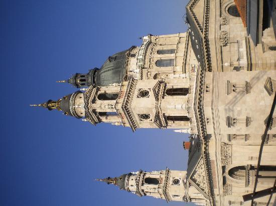 Hotel Central Basilica: Basilica