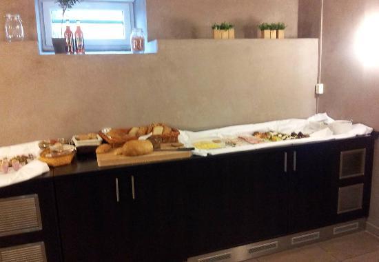 Saga Hotel Oslo: Breakfast
