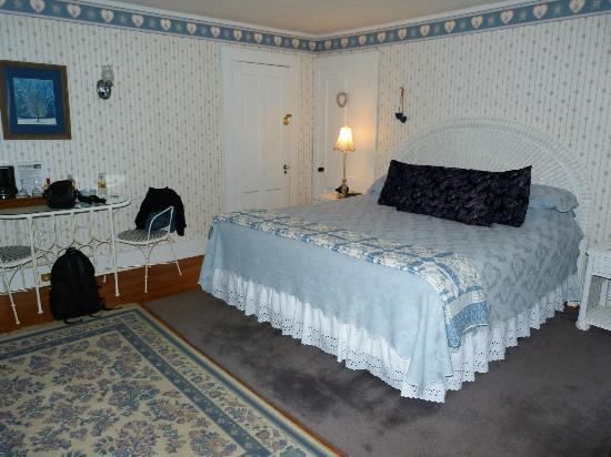 Bridges Inn at Whitcomb House: Thompson Bridge Room