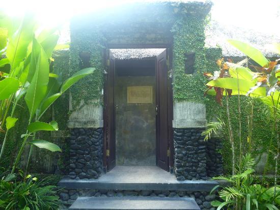 KajaNe Mua Private Villa & Mansion: Entrance to Villa