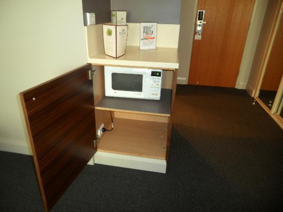 Quality Hotel Dickson: microwave