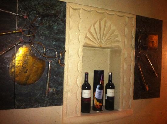 Dekor picture of otantik restaurant winehouse antalya for Dekor turkey