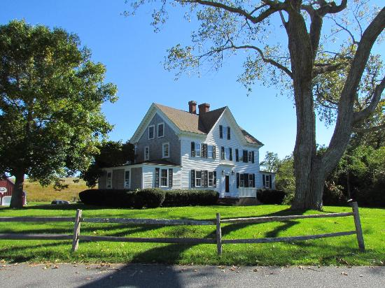Fort Hill Rural Historic District: Not the Edward Penniman House, but very nice all the same.