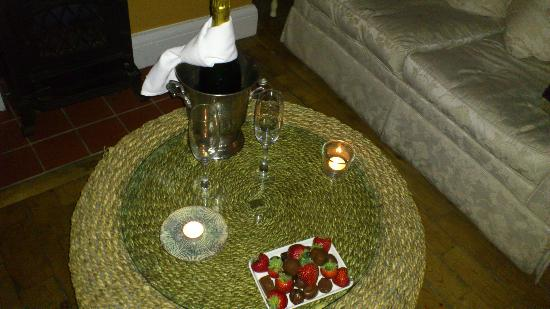 Ashmount Country House: champagne and chocolates
