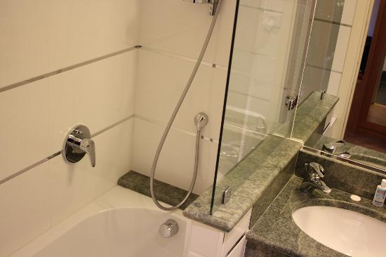 FH Grand Hotel Mediterraneo: buen baño