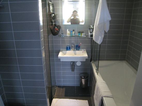 Hotel CC: small but clean/modern bathroom