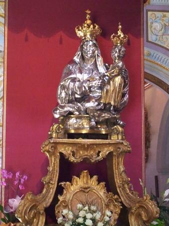 La Terrazza B&B: Museo Diocesano di Rossano - Statua della Madonna
