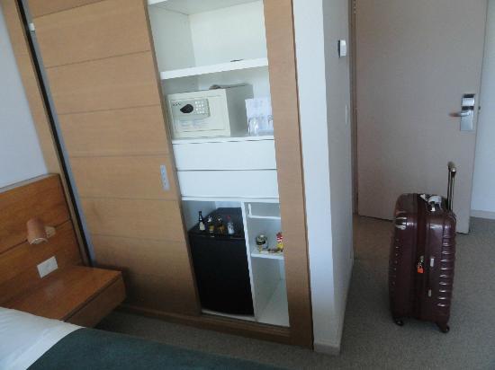 Design Suites Calafate: habitacion con frigobar y caja fuerte