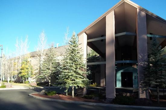 Best Western Plus Inn of Williams, AZ Lodge style exterior