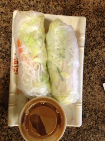 Pho Vinh: spring rolls