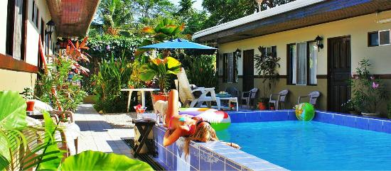 Hotel Perico Azul: Our Pool & Garden area