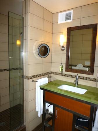 Hotel Andaluz: Bath - Suite #2