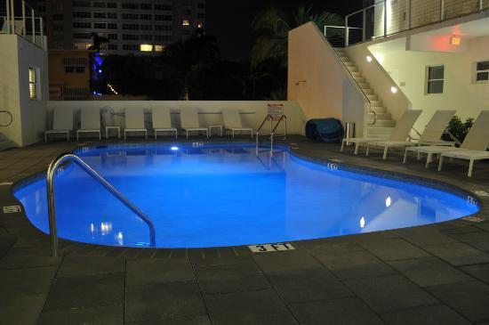 The Aqua Hotel: Pool area