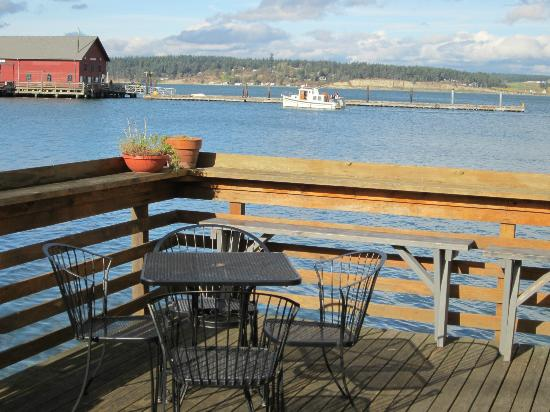 Mosquito Fleet Chili : Looking Out From The Deck