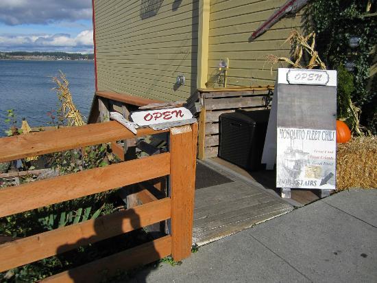 Mosquito Fleet Chili: Upstairs At The Sidewalk 