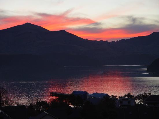 Akaroa Village Inn: nice sunset in akaroa