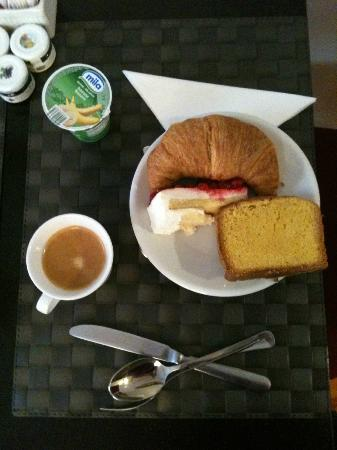 SuiteDreams Hotel: Breakfast was great