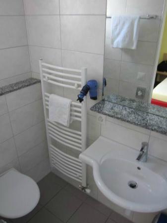 Hotel Derby : Bathroom