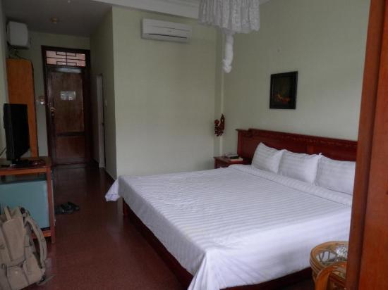 โรงแรมแท็งบิ่งทรี: Double Room