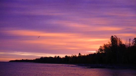 AmericInn Lodge & Suites Silver City : sunrise