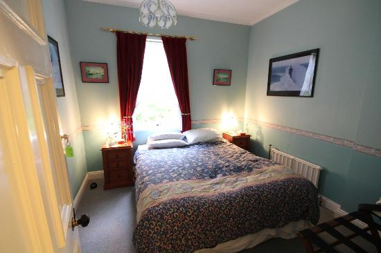 The Old Ferry Hotel Bed & Breakfast: Double bedroom