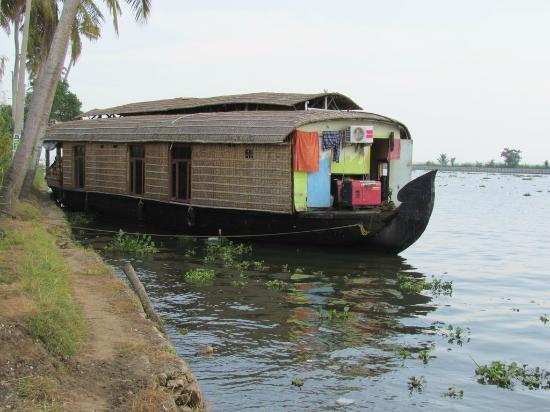 Panoramic Sea Resort: Houseboat