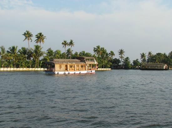 OYO 9992 Panoramic Sea Resort: Houseboat Backwaters