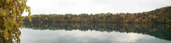 Green Lakes State Park: Fall Reflection