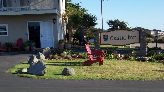 Castle Inn: Front office