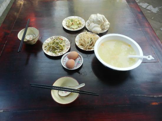 Pingyao Cheng Jia Hotel : Chinese breakfast at Cheng Jia