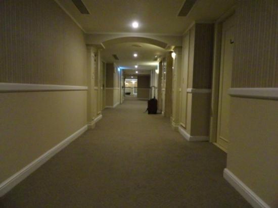 Imperial Hotel Taipei: 9 floor hallway