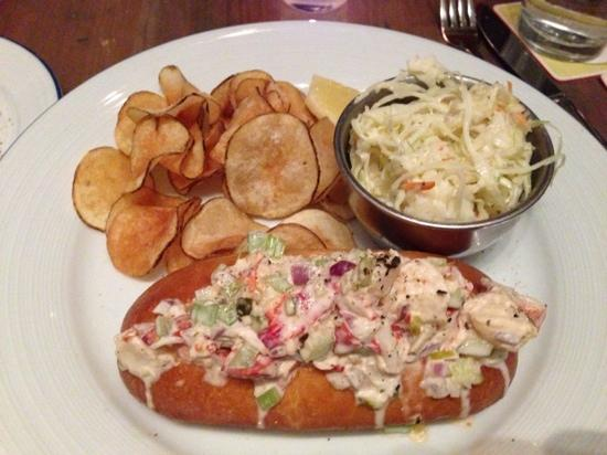 Island Creek Oyster Bar: Lobster roll