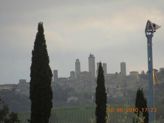 Agriturismo Il Vecchio Maneggio: view from pool area