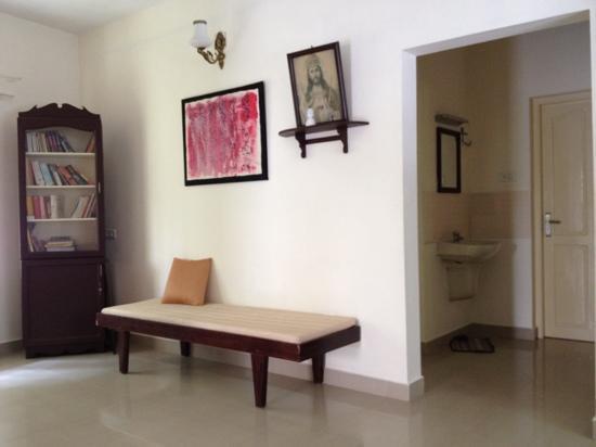 Casa Mia Homestay : sitting area near rooms