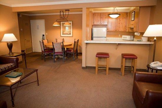 Forest Suites Resort at Heavenly Village : Suite Living Room