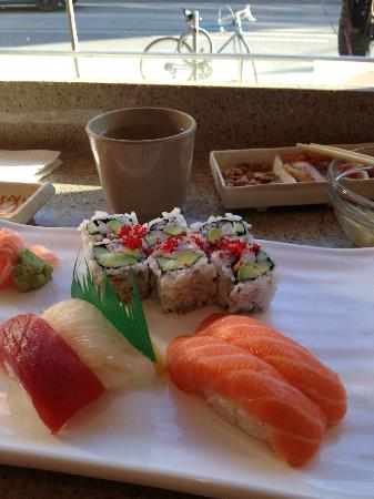 HoSu Bistro: Sushi lunch special
