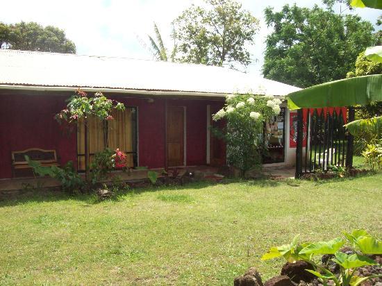 Kahina Lodge : frente casa principal