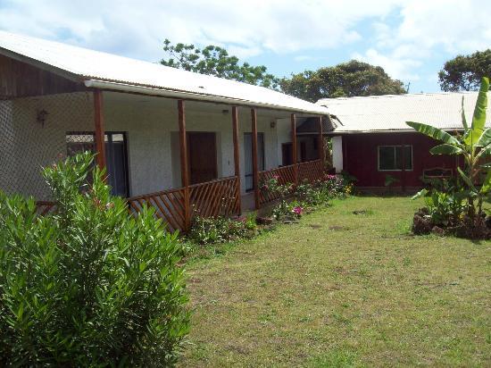 Kahina Lodge: Frente de las habitaciones