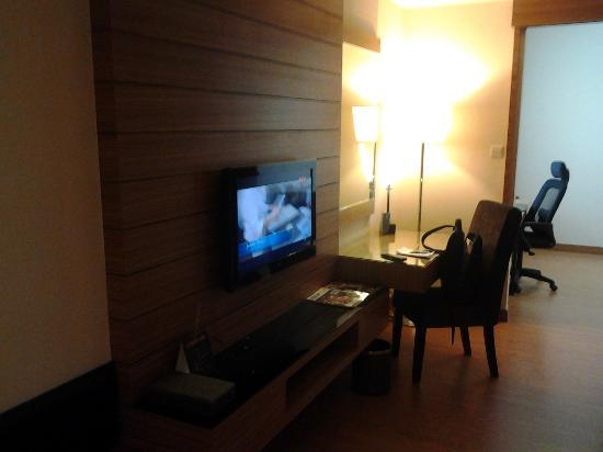 Ramada Plaza Kuala Lumpur: Deluxe Room