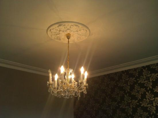 Edgelinks Country House: Lighting in my room