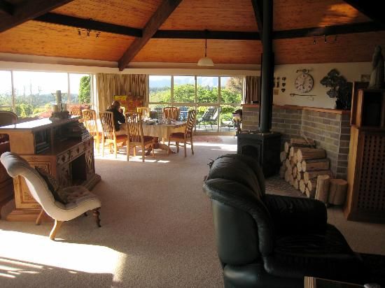Doolan's Country Retreat: very large lounges and breakfast room