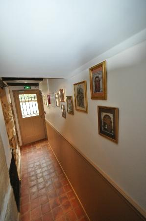 Hotel du Haut Marais: Entranceway