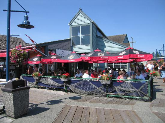 Steveston Heritage Fishing Village: Pleasant day on the water's edge