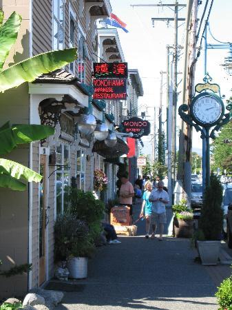 Steveston Heritage Fishing Village: Side street
