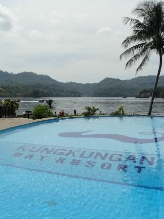 Kungkungan Bay Resort: Pool